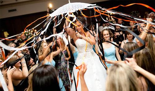 Traditional Jewish Wedding Goes International Having It